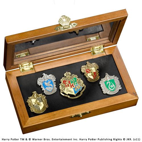 sieben k nigslande harry potter hogwarts h user pins. Black Bedroom Furniture Sets. Home Design Ideas